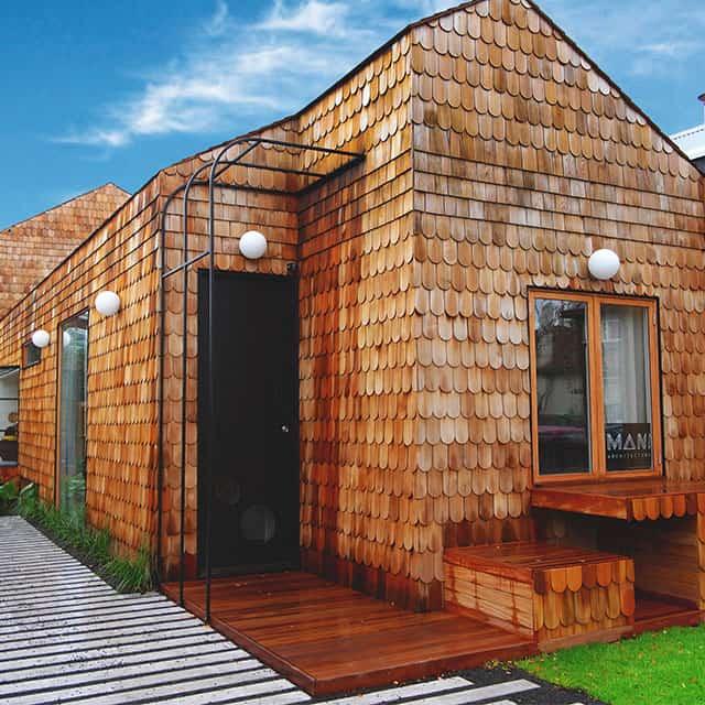 one-mani-house
